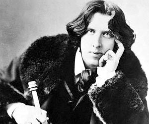 Oscar Wilde writing