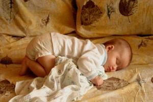 Как правильно укладывать ребенка спать ?