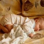 Как правильно укладывать ребенка спать ютуб?