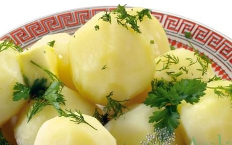 Как правильно варить картофель на салат?