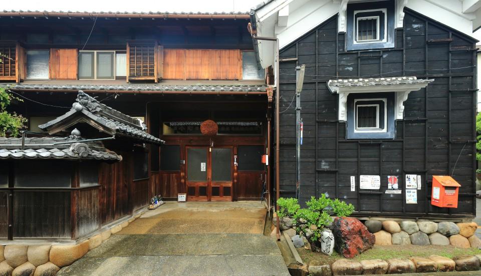 130704_小町酒造_002-玄関1-300dpiY25cm