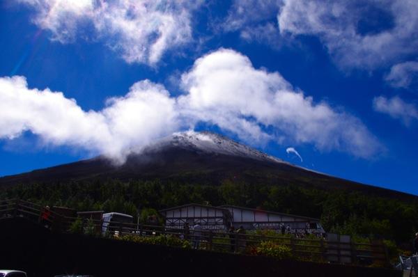 富士山が初冠雪の日にはちゃんと山梨にいました