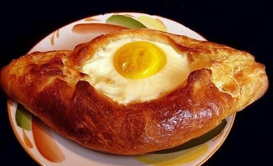 Аджарские хачапури с яйцом — Как нам? Женский портал обо всем!