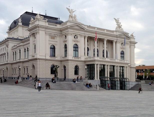 zurich-opera-house-2213766_960_720.jpg