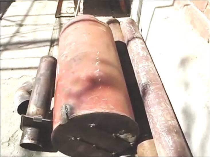 Fireboxの製造のために古いガスボンベを使用した