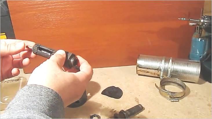 チューブはカットの内径よりも敏感に小さくなければなりません