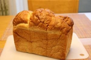 パンとエスプレッソとの山食
