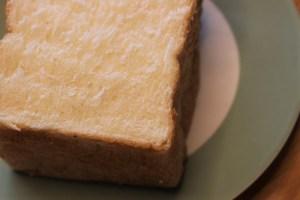 パンとエスプレッソとの食パン