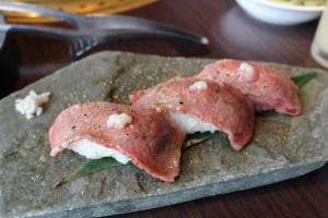 御殿場の焼肉よしのあぶり寿司