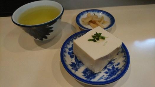 豆腐と漬物