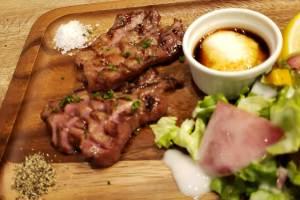 小倉駅の肉バル GOTCHA ( ガッチャ ) のイベントステーキ
