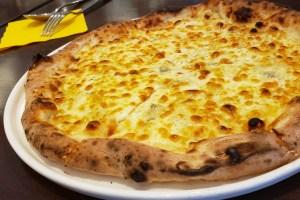 イタリアン フリッツァ 石窯グリル (FRIZZA) 激ウマ ロックフォールのピザ