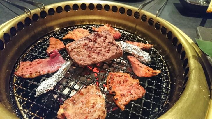 骨付き肉を丸焼きに