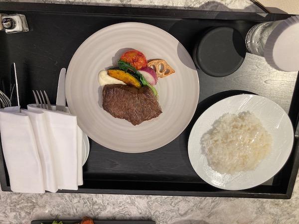 国産牛のステーキ