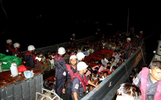 ctg-navy-arrested-boat