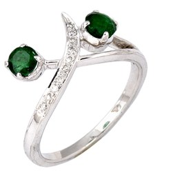 A spectacular show of colours, in the most extraordinary of forms! 18K White Gold Ring with Emerald and Diamonds