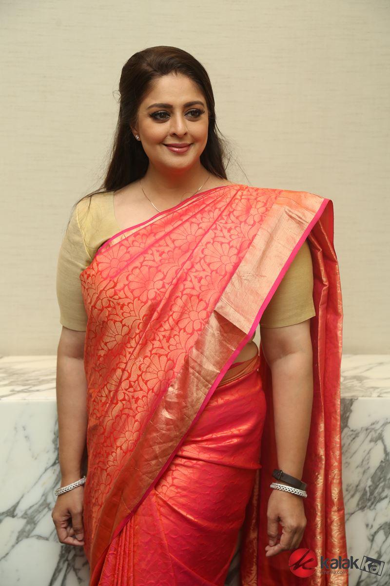Actress Nagma Photos - Kalakkal Cinema