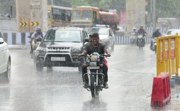 Tamil Nadu Weather Report : Chennai sees first rain showers, Chennai, Tamil Nadu, India, Chennai Weather Report, Chennai Rains