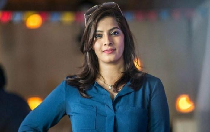 Varalaxmi Sarathkumar Gym WorkOut | Varu | Actress Varalakshmi Sarathkumr Photos | Tamil Cinema News | Kollywood Cinema News