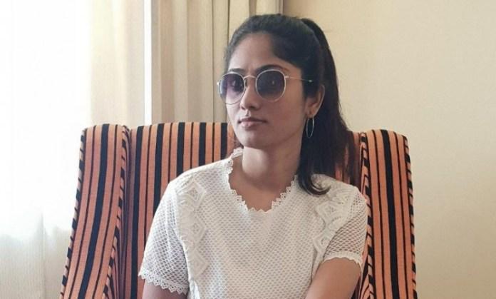 Julie Met BB Friends : Latest Photos and Fans Reaction is Here | Bigg Boss Tamil | Bigg Boss Tamil | Bigg Boss Tamil 3 | Kollywood Cinema News