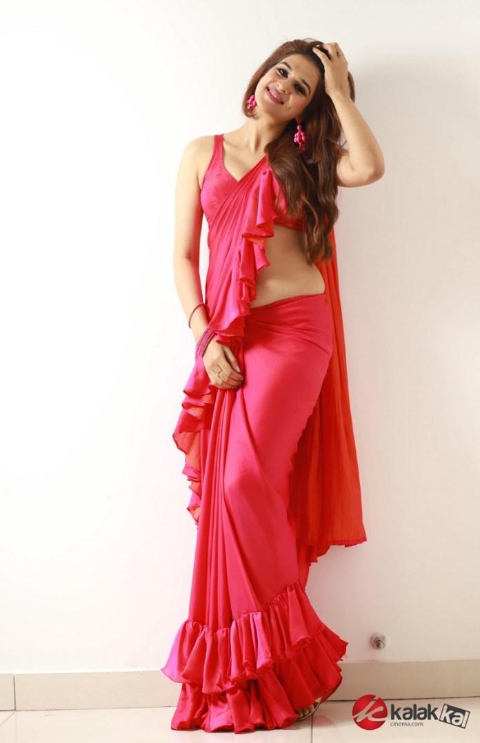 Actress Shradda Das Latest Photos
