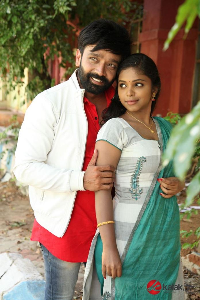Enakku Onnu Therinjaakanum Movie Stills