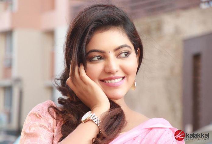 Actress Athulya Ravi New Photos