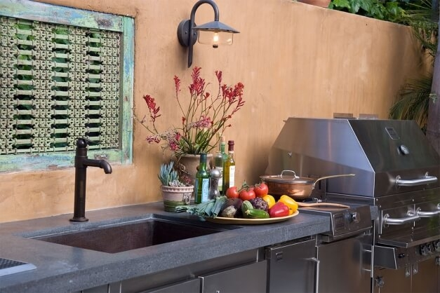 plumbing for an outdoor kitchen sink