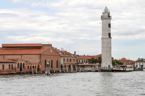 lighthouse-1487486_1920