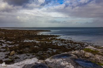 Tengerpart Doolinban Burren jellegzetessége