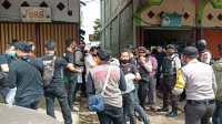 Terduga Teroris AR Ditangkap Tim Densus 88 Mabes Polri di Sungai Pinyuh Mempawah