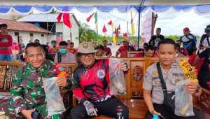 Bendahara PDI-P Kalbar Tutup Kompetisi Memancing Udang Galah di Sungai Ambawang