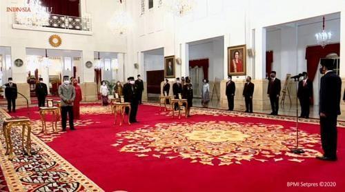 Tepat di Hari Pahlawan, Jokowi Anugerahi 6 Tokoh Pahlawan Nasional