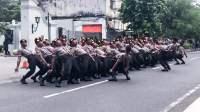Polisi Yel-yel Lagu Terpesona