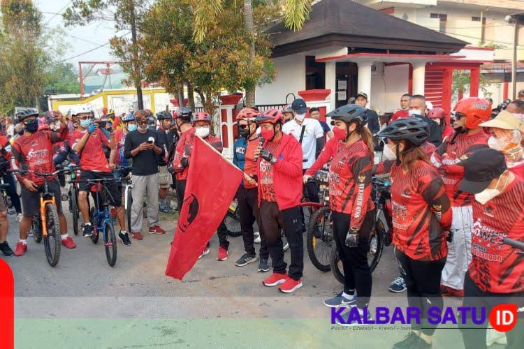 Kampanyekan Hidup Sehat, DPD PDI Perjuangan Kalbar Gelar Ajang Sepeda Santai