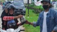 Sumbangkan Uang Satu Toples untuk Palestina. Penyumbang bernama Yani, warga Kelurahan Sungai Garam, Kecamatan Singkawang Utara, Kalimantan Barat.
