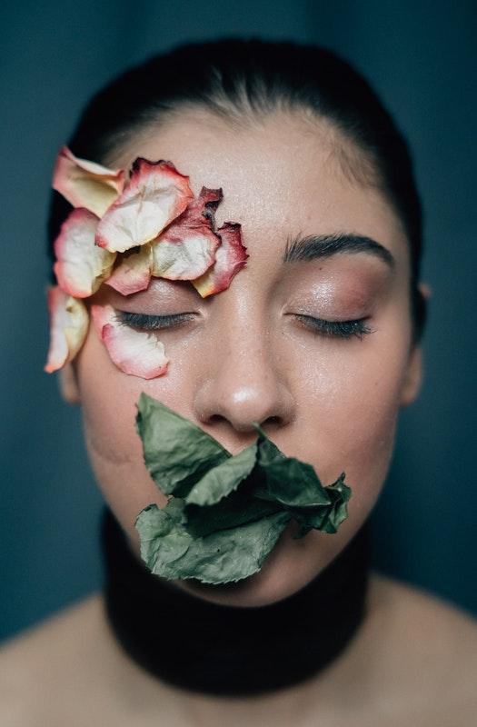 Creative Woman - Flowers & Leaves