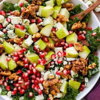This easy autumn pear is full of flavor and fresh seasonal fruit! Plus it can be made with a kale as the or even with mixed greens too!