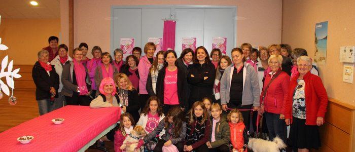 Phototgraphie des marcheurs pour la lutte contre le cancer du sein à Virey le Grand