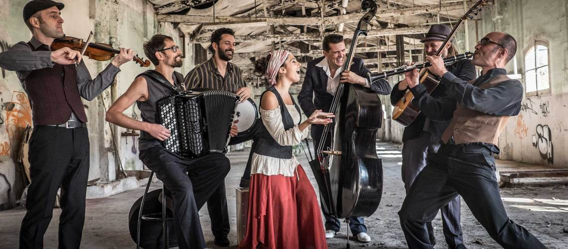 BARCELONA GIPSY BALKAN ORCHESTRA est programmée aux Musicaves 2018