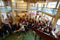 Tatiana Jullien poursuit sa visite inaugurale qui conduit les élus dans le grand espace de l'Espace Des Arts