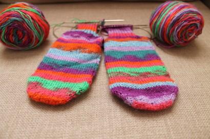 Nicole's Two At A Time Toe Up Socks | kaleidoscopecity.wordpress.com