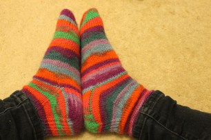 Nicole's Two At a Time Toe up Socks | kaleidoscopecity