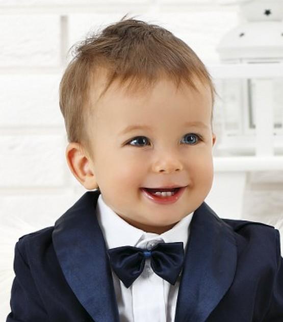 Стрижка для мальчика 2 года 2021 модные детские прически ...