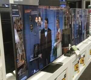 Tv nærmest har bedre innsynsvinkel og bilder enn tv på siden.