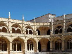 لشبونة ، وردة بوقاسي كلمات 14