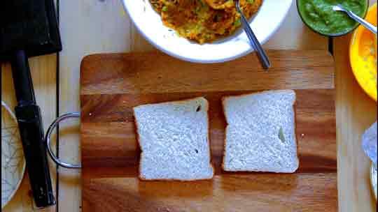 Aloo Matar Sandwich