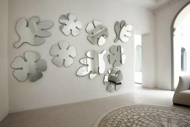 Kuvidit peilit lehdet