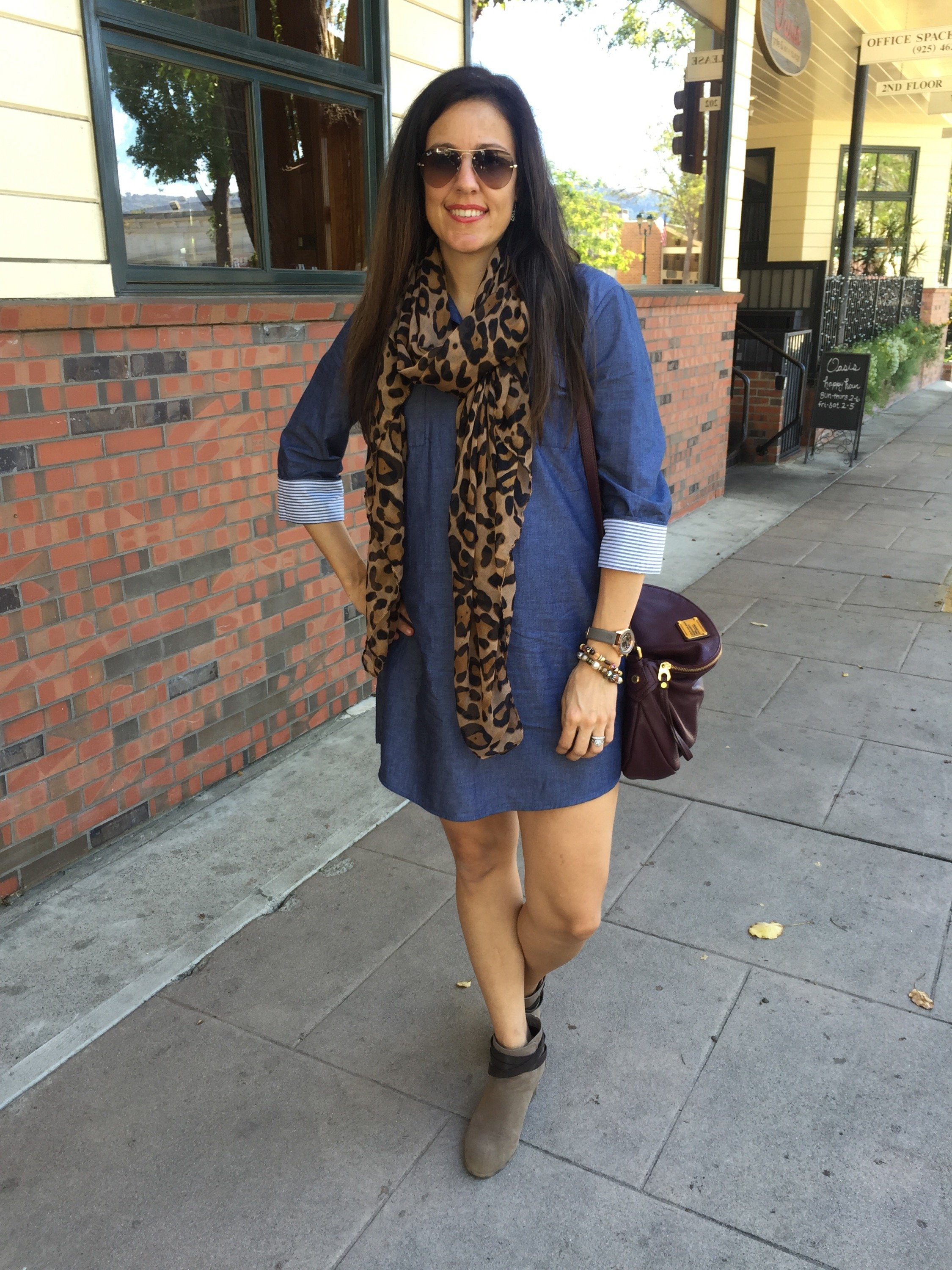 How to style the bump | maternity fashion | fall fashion tips | cool weather fashion | chambray dress | leopard scarf
