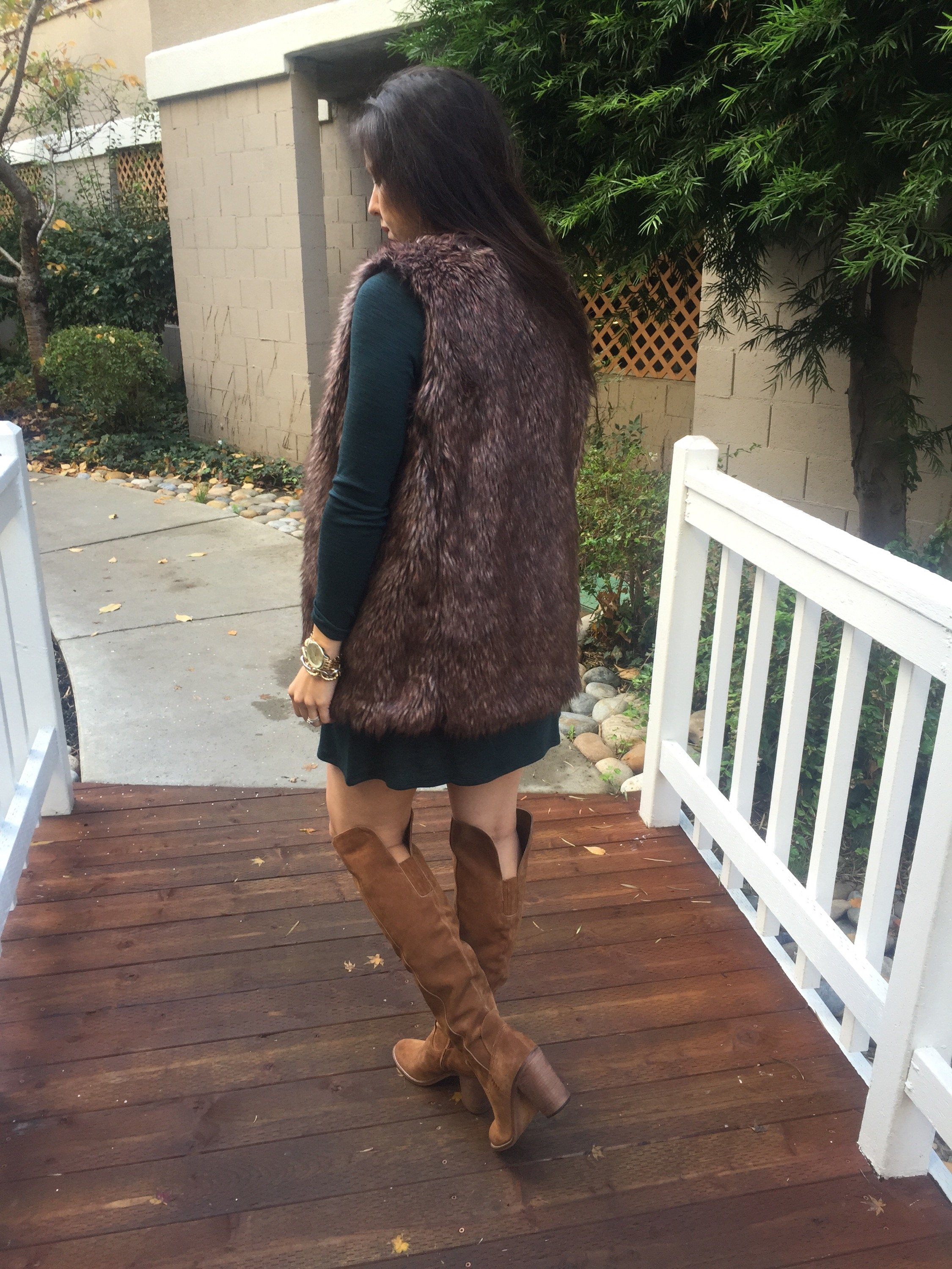 How to style the bump | maternity fashion | fall and winter style | fall fashion | cool weather fashion | over the knee boots + dress